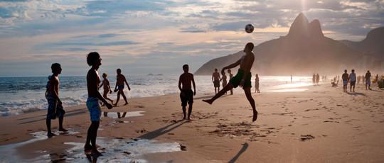 540-RIO-beach-balls