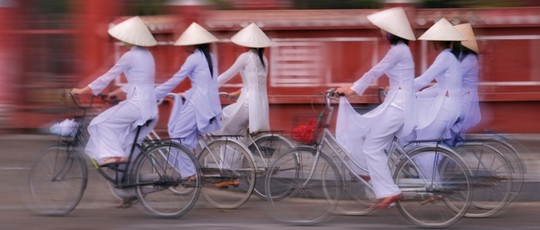 540-VN-girlsonbike
